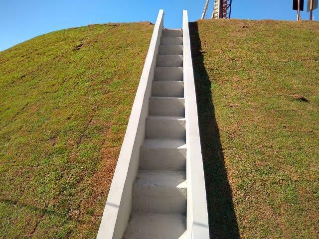 Escada hidráulica para drenagem